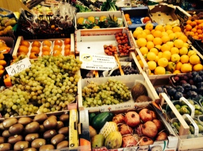 Street Grocery in Parma